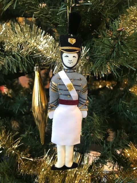 Female /Tarbucket/Caucasian/Cadet Ornament