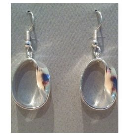 JEWE Möbius Strip Earrings