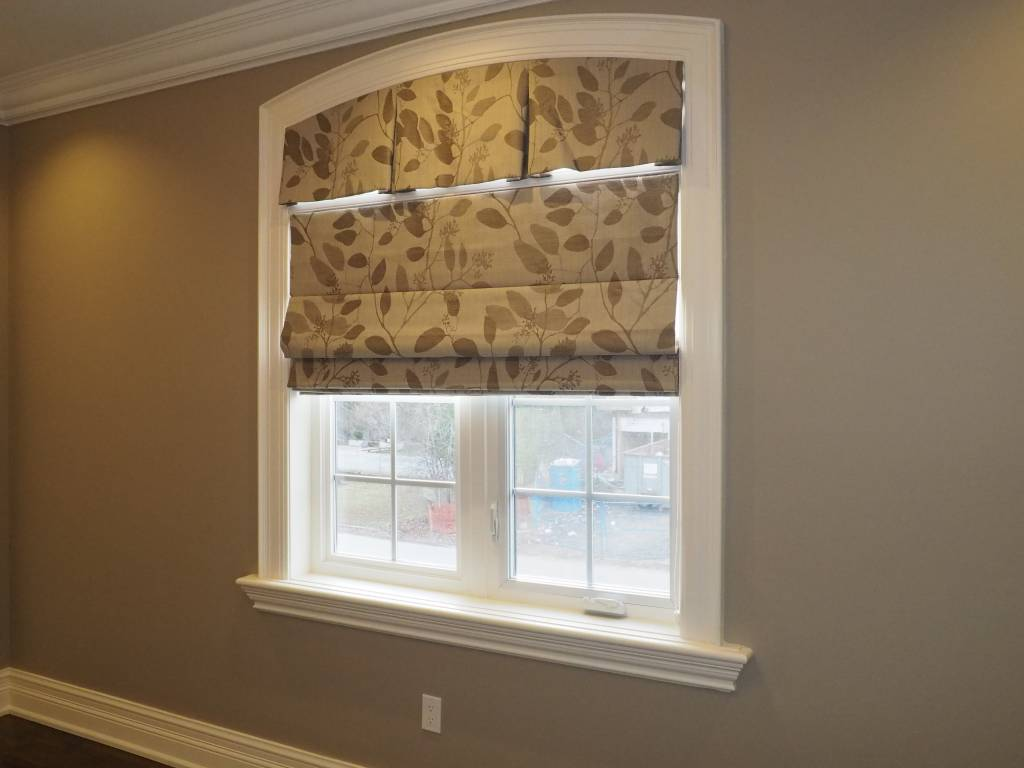 Trendy Blinds Tucked Roman Shade RT5