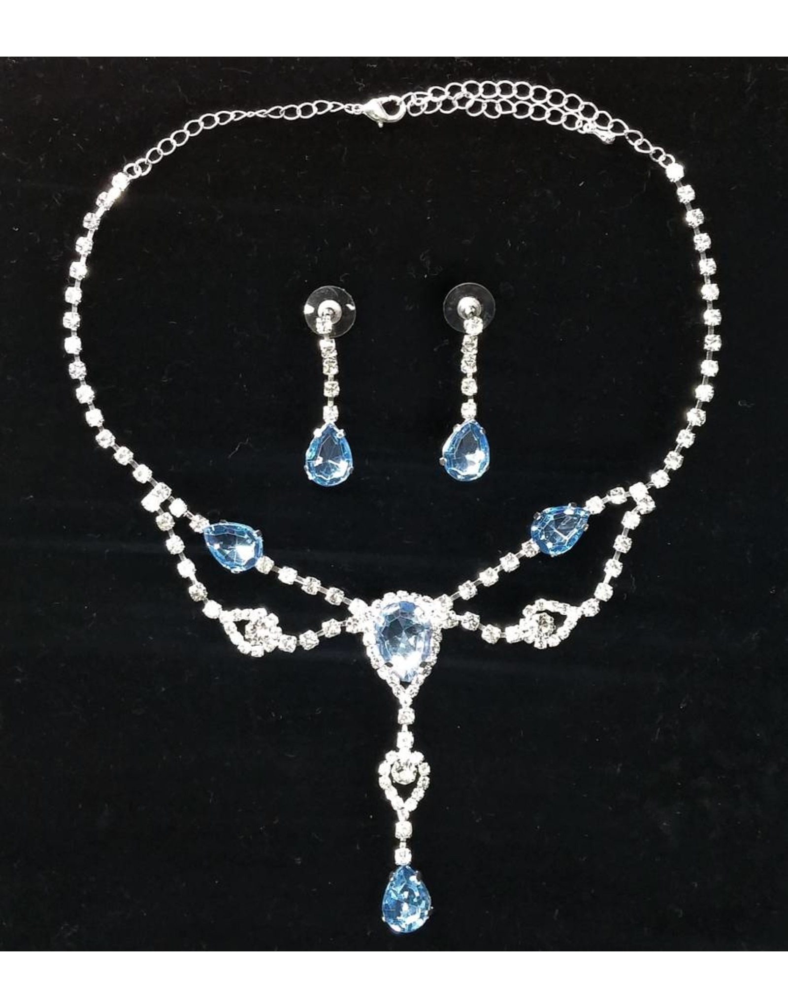 Blue Crystal Avenue Necklace and Earings