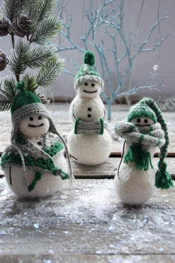 Universal Yarn Universal Snowfolk Kit