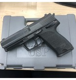 "HECKLER & KOCH CONSIGNMENT HK USP .40 4"" 1 10 ROUND ORIGINAL MAGAZINE AND CASE WITH PAPERWORK"