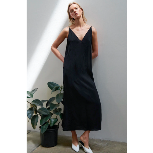 STATESIDE STATESIDE V NECK CAMI MAXI DRESS