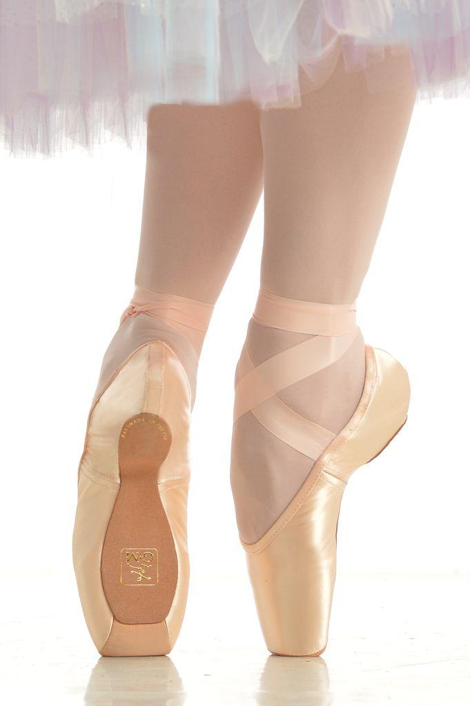 GAYNOR MINDEN Gaynor Minden - Sculpted Pointe Shoe