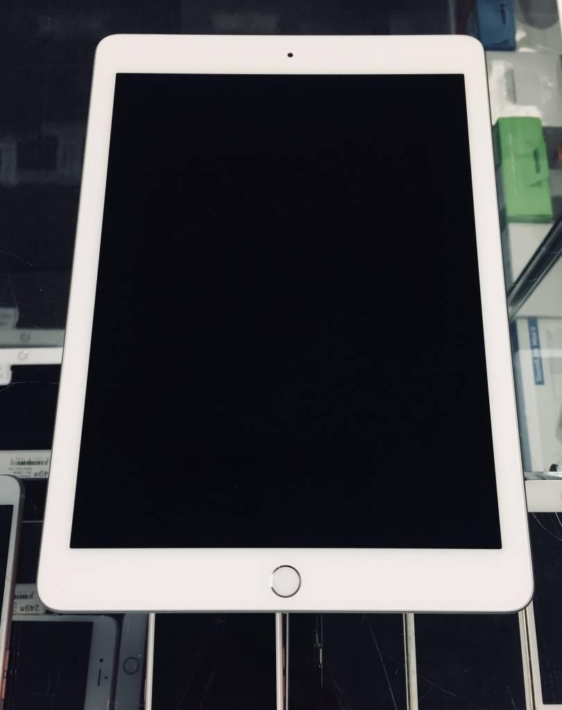 4G Unlocked - iPad 6th Gen. - 32GB - White/Silver