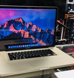 "Apple Macbook Pro - 17"" Early 2011 - Intel i7 2.4GHz 4GB Ram 750GB HD"