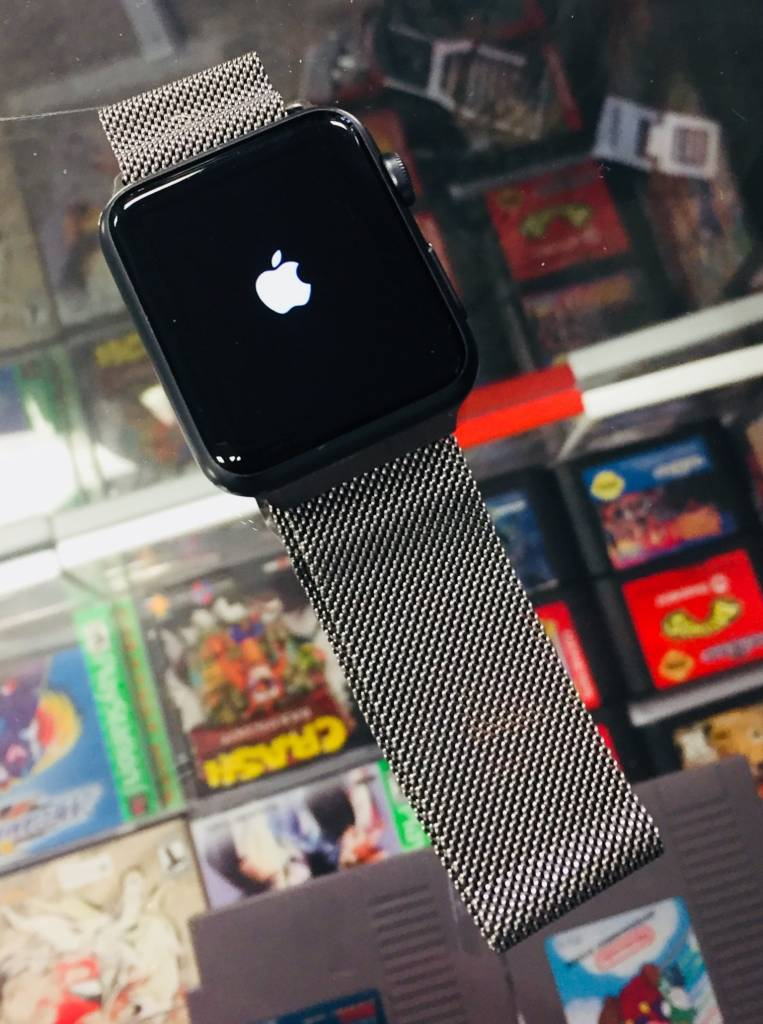 Apple Watch Series 7000 - 42mm  - Space Gray - Milanese Band