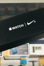 Mint in Box - Unlocked - Apple Watch Series 4 - 44mm - Black Nike Sport Loop