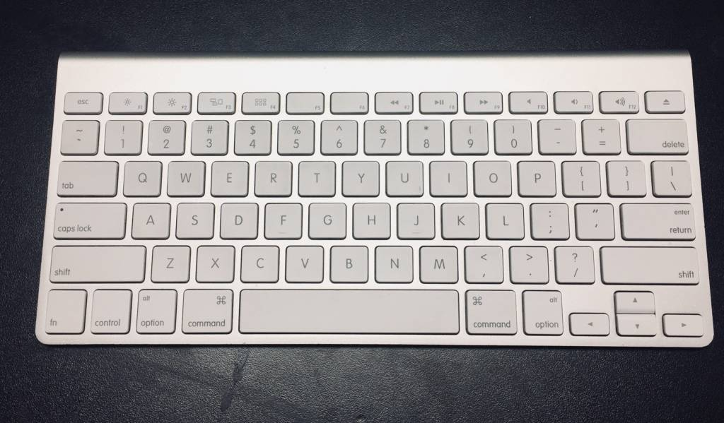 Apple Wireless Bluetooth Keyboard 1 - Model# A1314