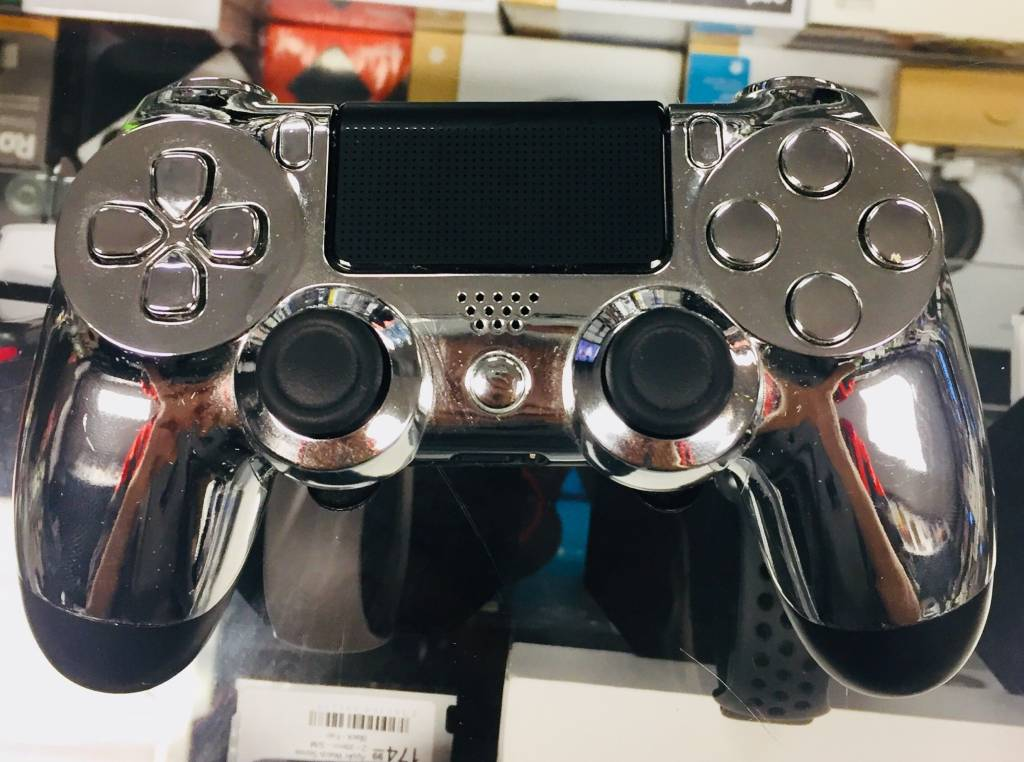 Scuf PS4 Controller-Silver-2 Paddles