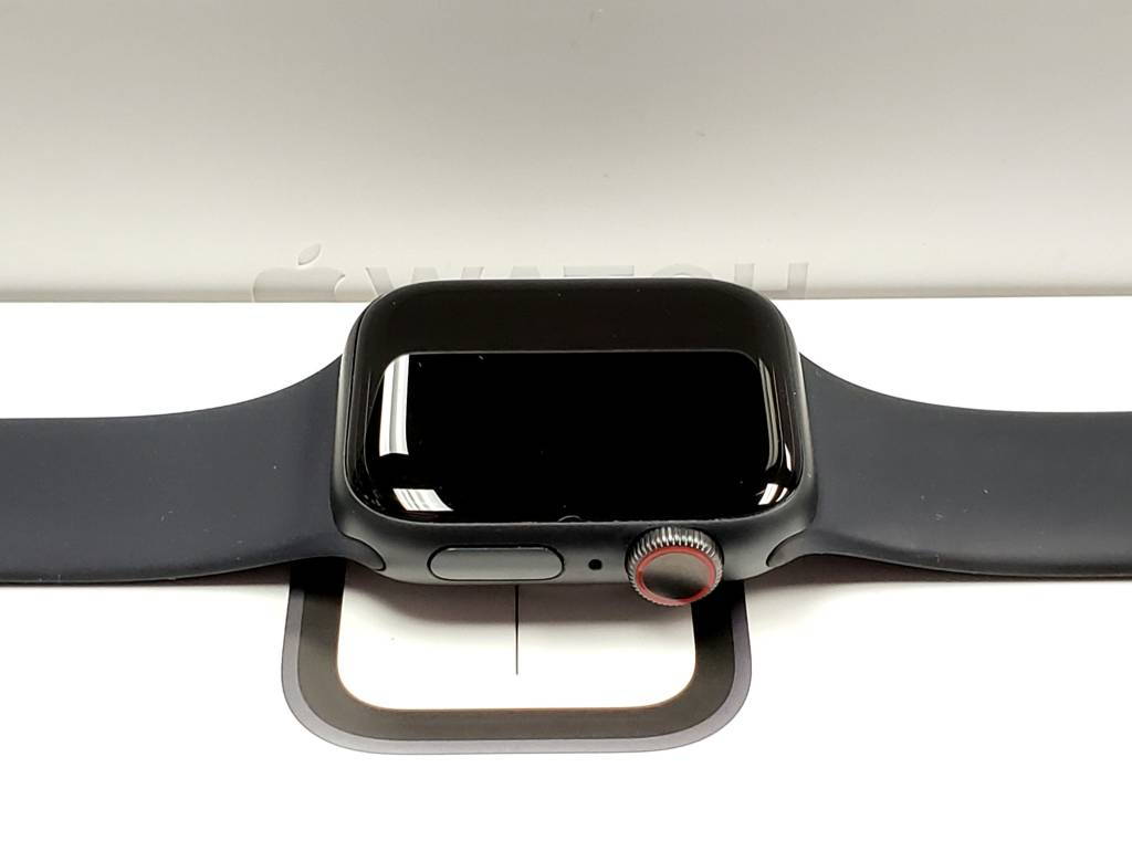 4G/Cellular - Apple Watch Series 4 - 40mm - Black - In Box