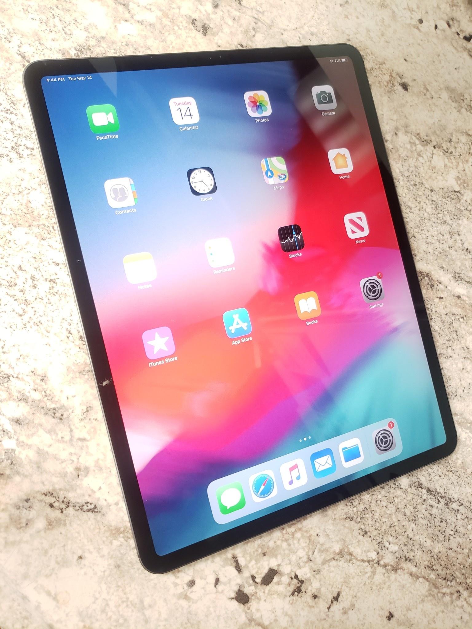 "4G Unlocked - iPad Pro 12.9"" 3rd Gen - 256GB - Space Grey"