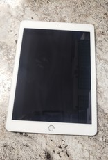 Apple iPad 6th Gen - 128GB - White/Silver