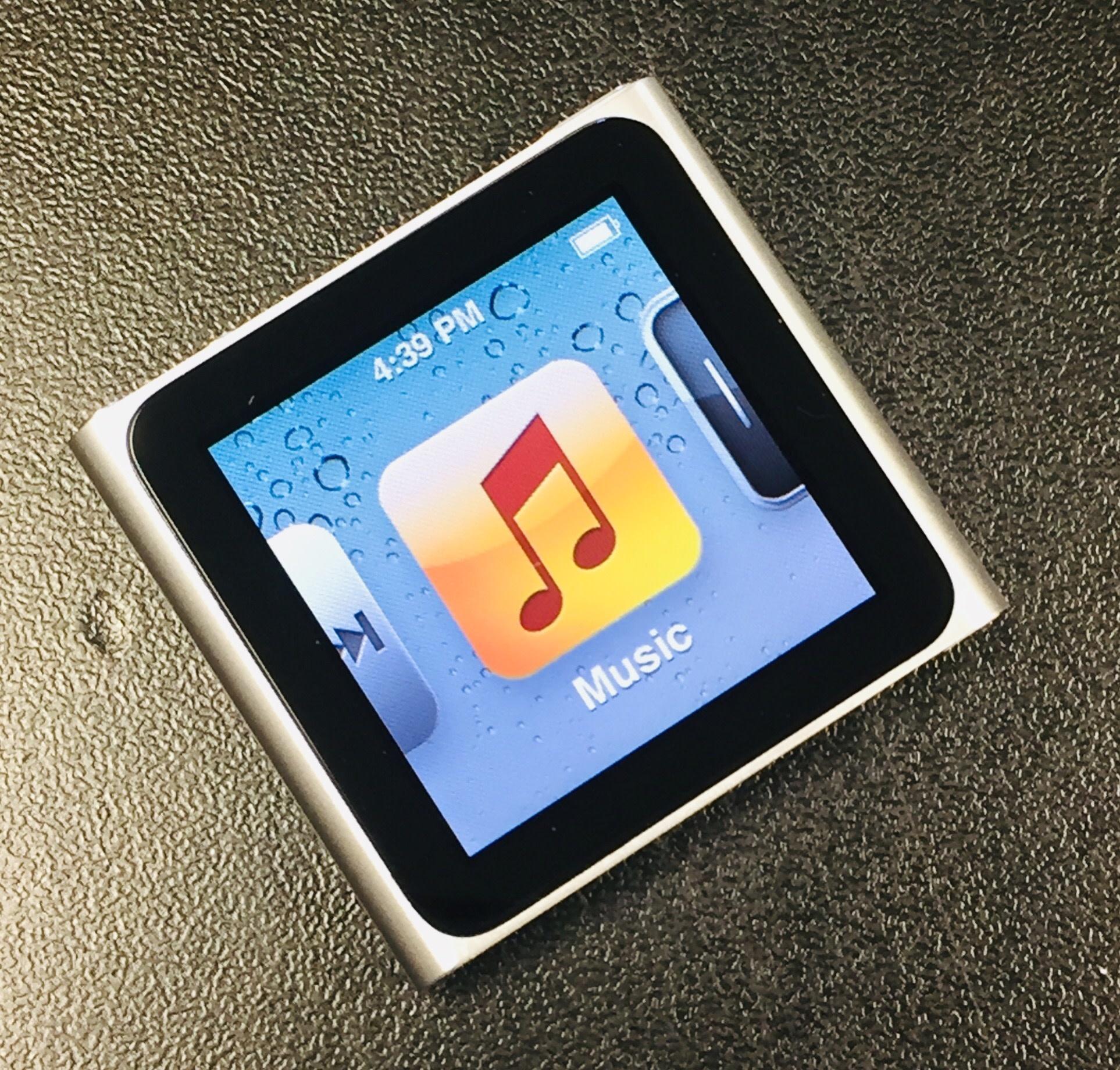 Apple iPod Nano 6th Generation Clip - 8GB - Silver