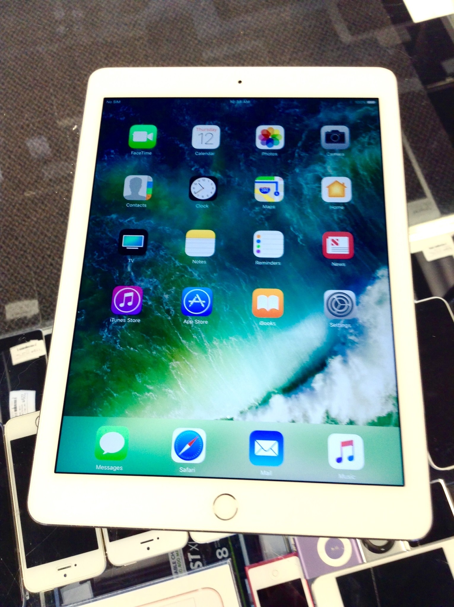 Apple iPad Air 2 - 64GB - White/Silver - WiFi Only