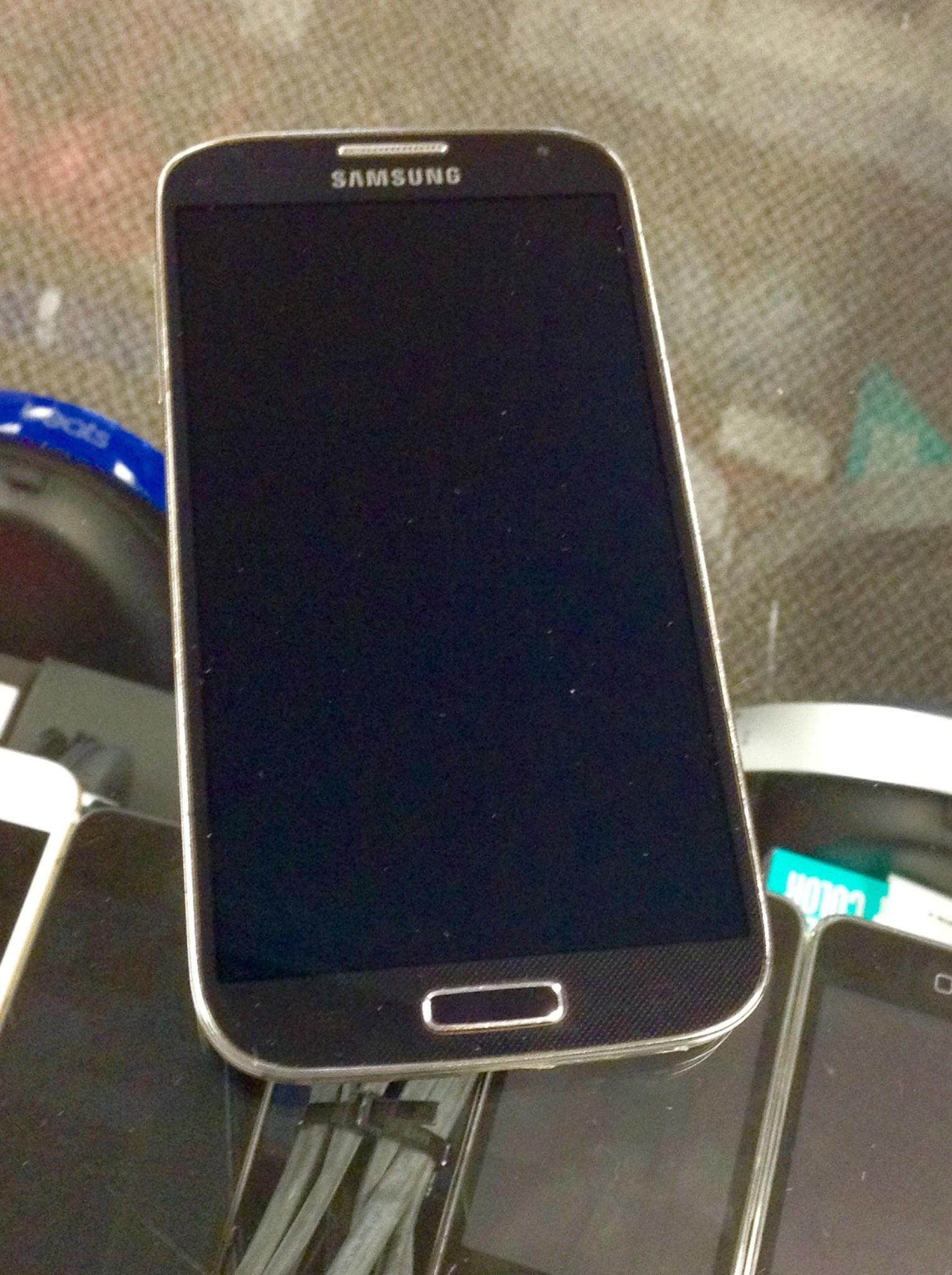 Sprint/Boost - Samsung Galaxy S4 - 16GB