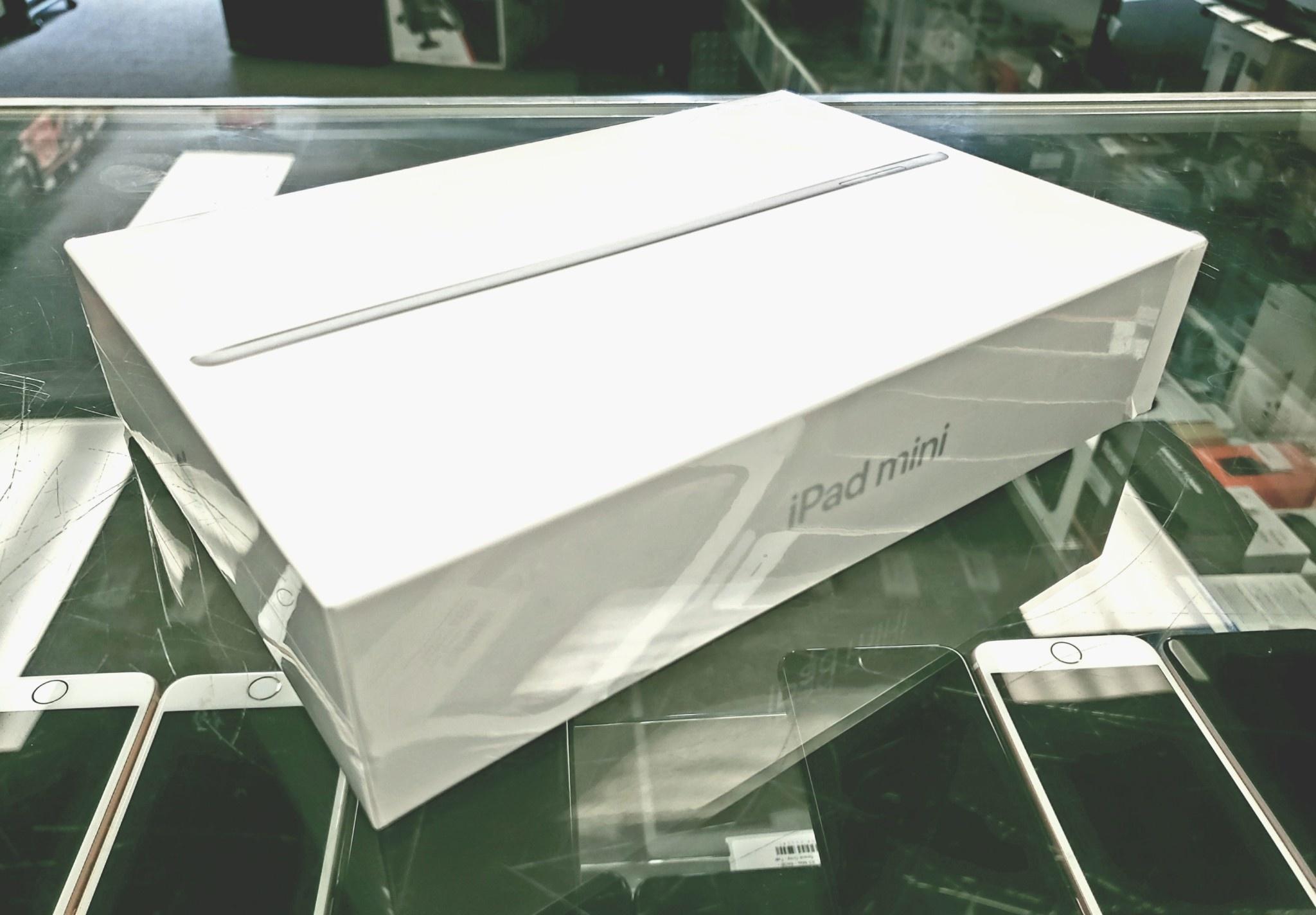 Factory Sealed - Apple iPad Mini 5 - 256GB - White/Silver