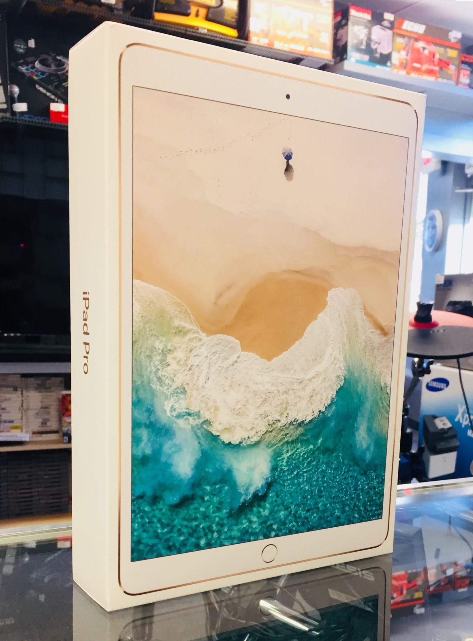 """4G Unlocked - iPad Pro 2nd Gen - 10.5"""" - 256GB - Gold - Mint in Box"""