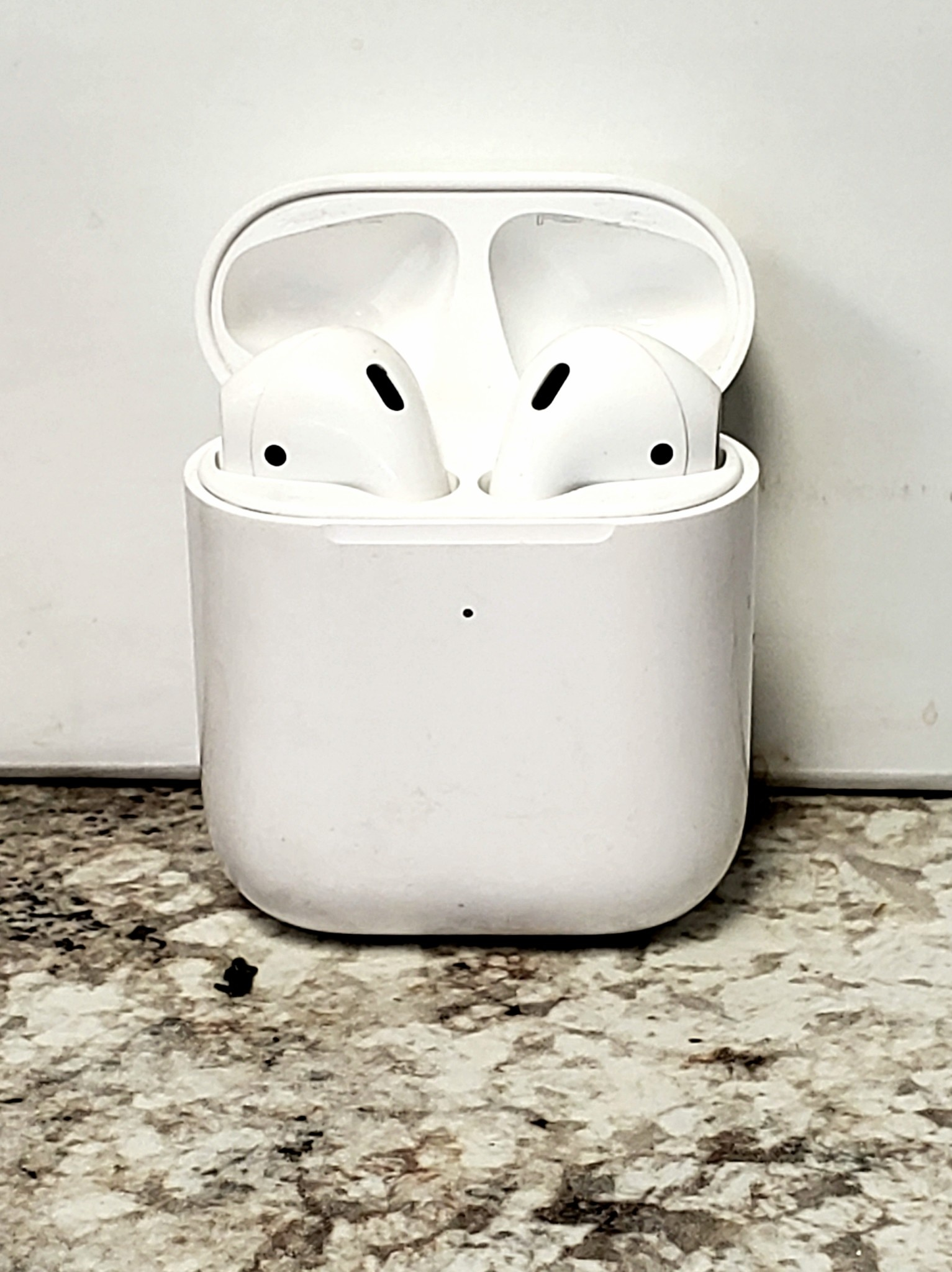 Apple Airpods 2 w/ Wireless Charging Case - Fair Condition