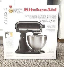 New in Box KitchenAid Classic 4.5Qt. Mixer - Black - K45SSOB