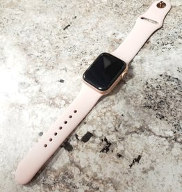 Wifi/GPS - Apple Watch Series 4 - 40mm - Rose Gold - S/M Pink Band - Fair Condition