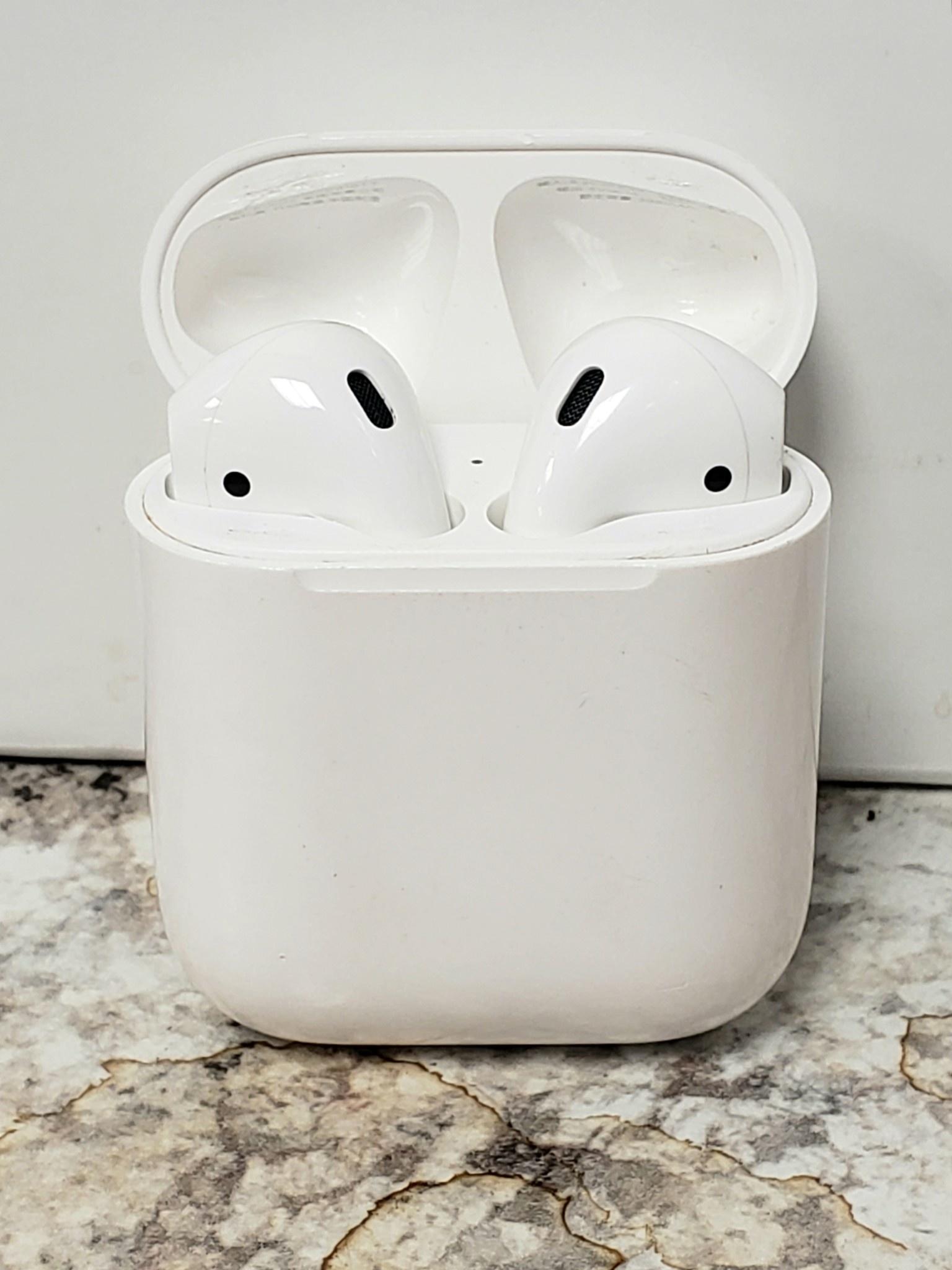 Apple Airpods 2 w/ Original Charging Case - Fair Condition