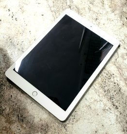 iPad 5th Generation - 128GB - White / Silver - Pre-Owned