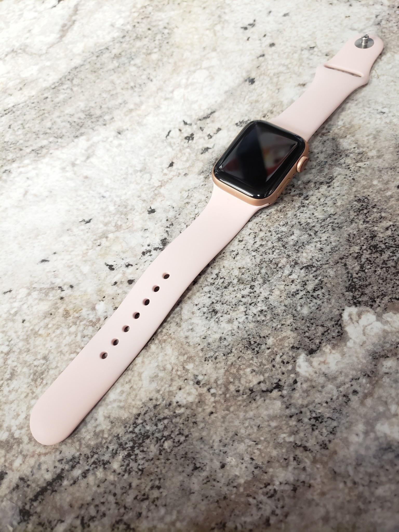 4G Cellular - Apple Watch Series 5 - 40mm - Rose Gold / Pink
