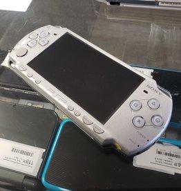 Sony PSP Slim - Model 2001 - Silver