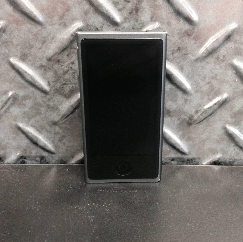 Apple iPod  Nano 7th Generation 16GB - Black - Fair