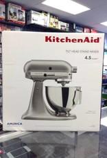 New in Box - KitchenAid  4.5 Quart Tilt-Head Stand Mixer - White