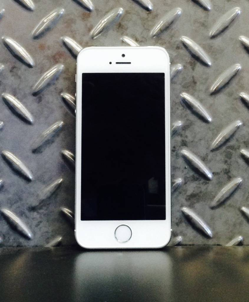 Unlocked - iPhone 5S - 16GB - White / Silver - Fair