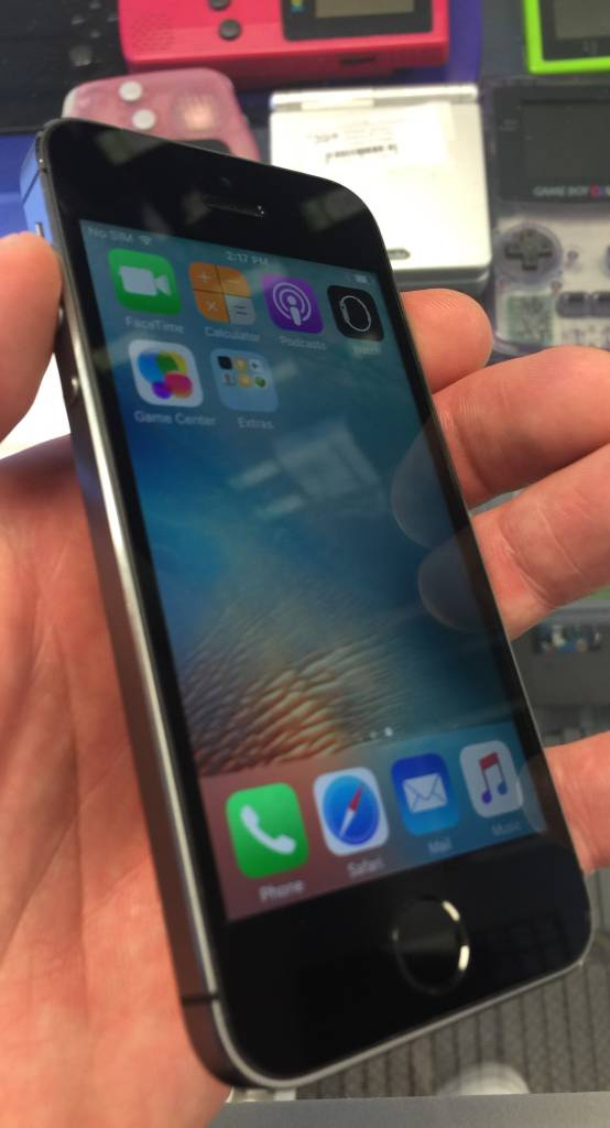Unlocked - Apple iPhone 5S - 16GB - Space Gray - Fair