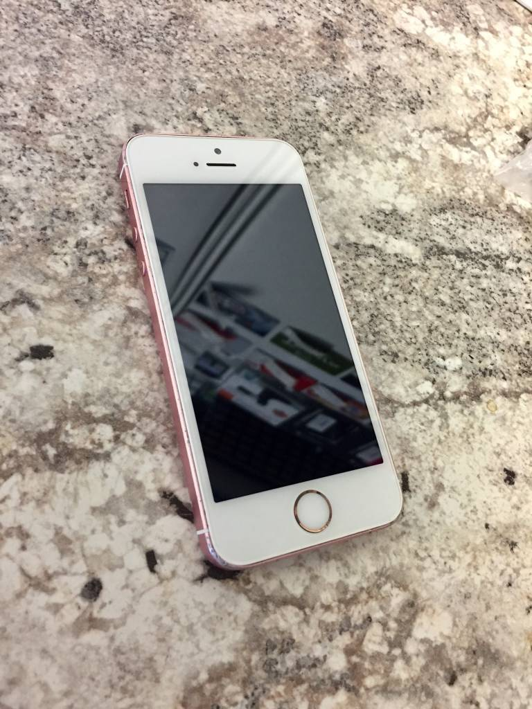 Fin Straight Talk Only - iPhone SE - 32GB - Rose Gold - PayMore LP-25