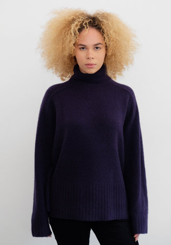 6397 Cashmere Turtleneck