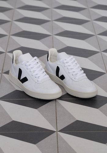 Veja Women's V-10 Sneaker