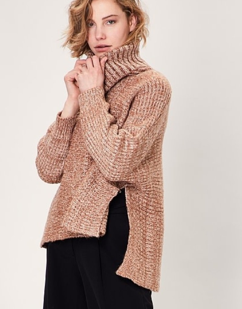 Angeleye Sweater