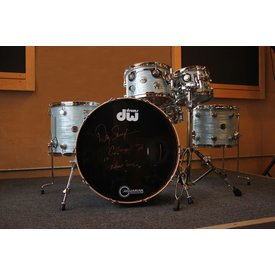 DW DW Collector's Contemporary Classic 5 Piece Shell Pack in Contemporary Oyster Finish Ply, Danny Seraphine Clinic Kit