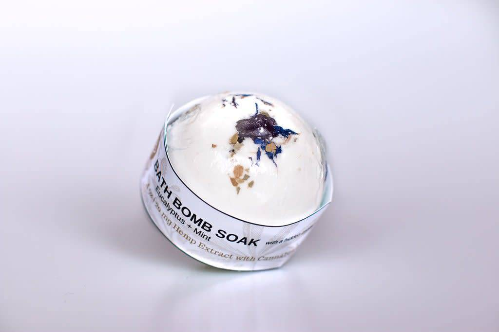 Holistic Hemp Co Holistic Hemp Co - 20 Mg CBD Bath Bomb - (4 oz) - Eucalyptus / Mint