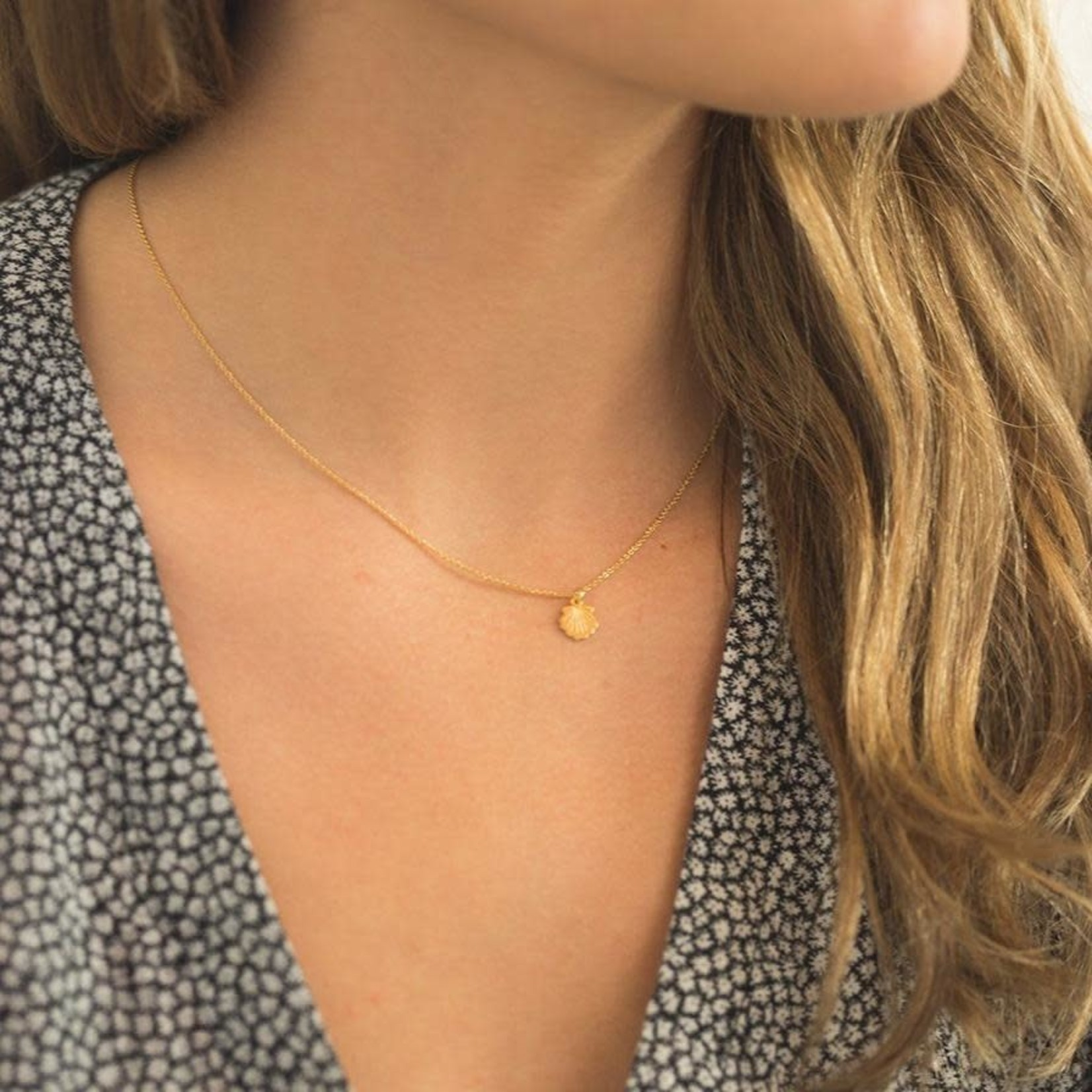Honeycat Jewelry Honeycat Magic Charm Shell Necklace