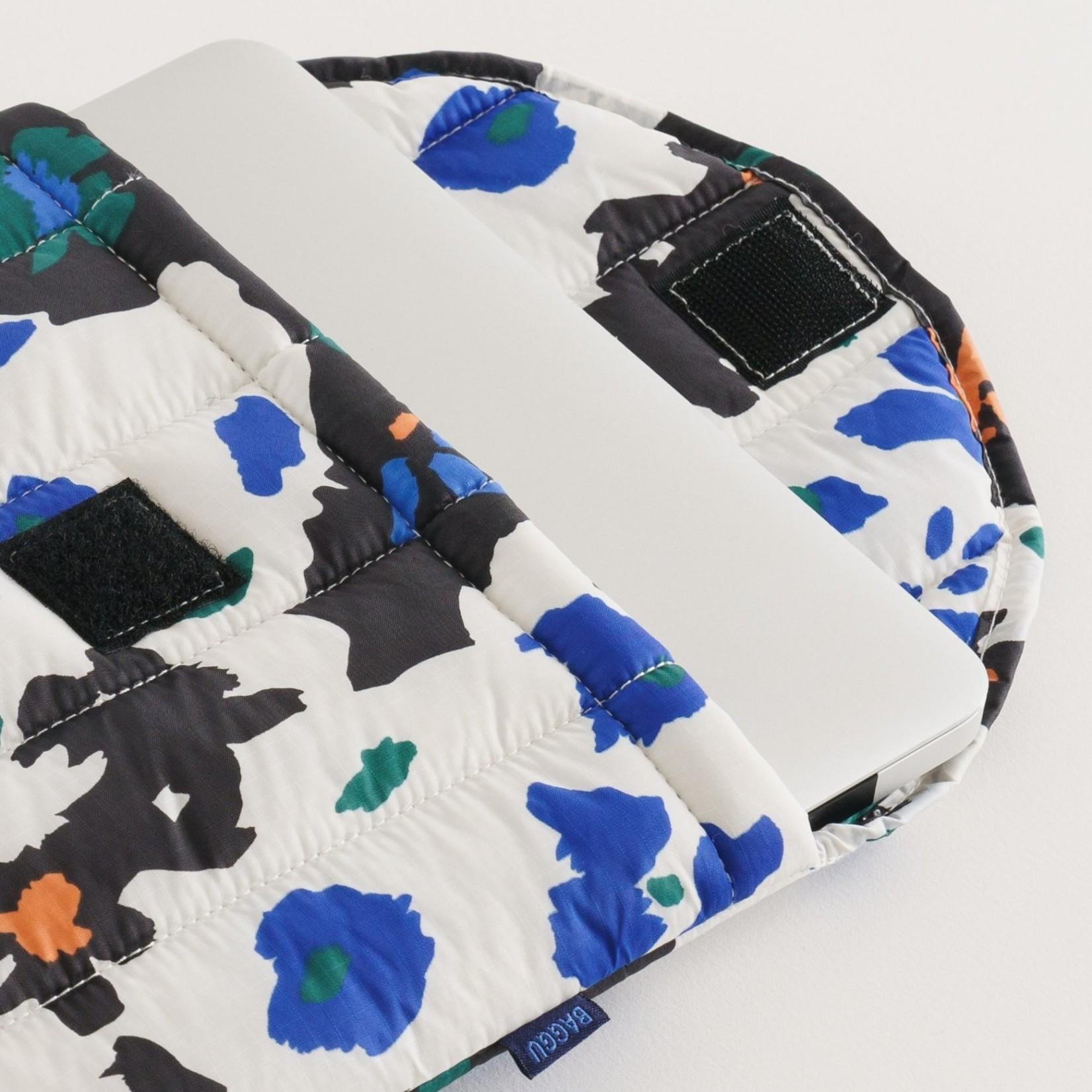 """Baggu Baggu Puffy Laptop Sleeve  Painted Daisies 16"""""""
