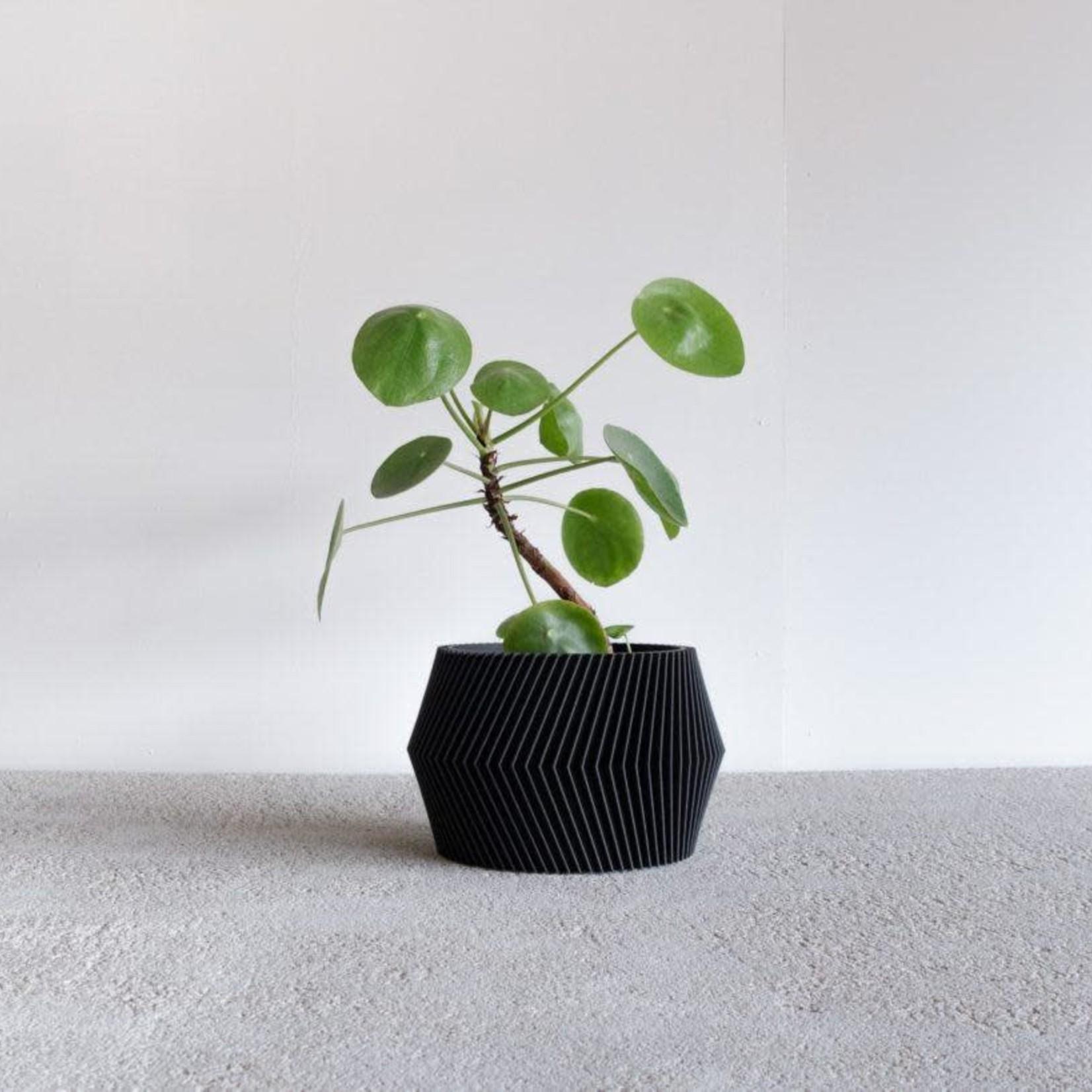 Minimum Design Minimum Design Dissipat Planter Black Large