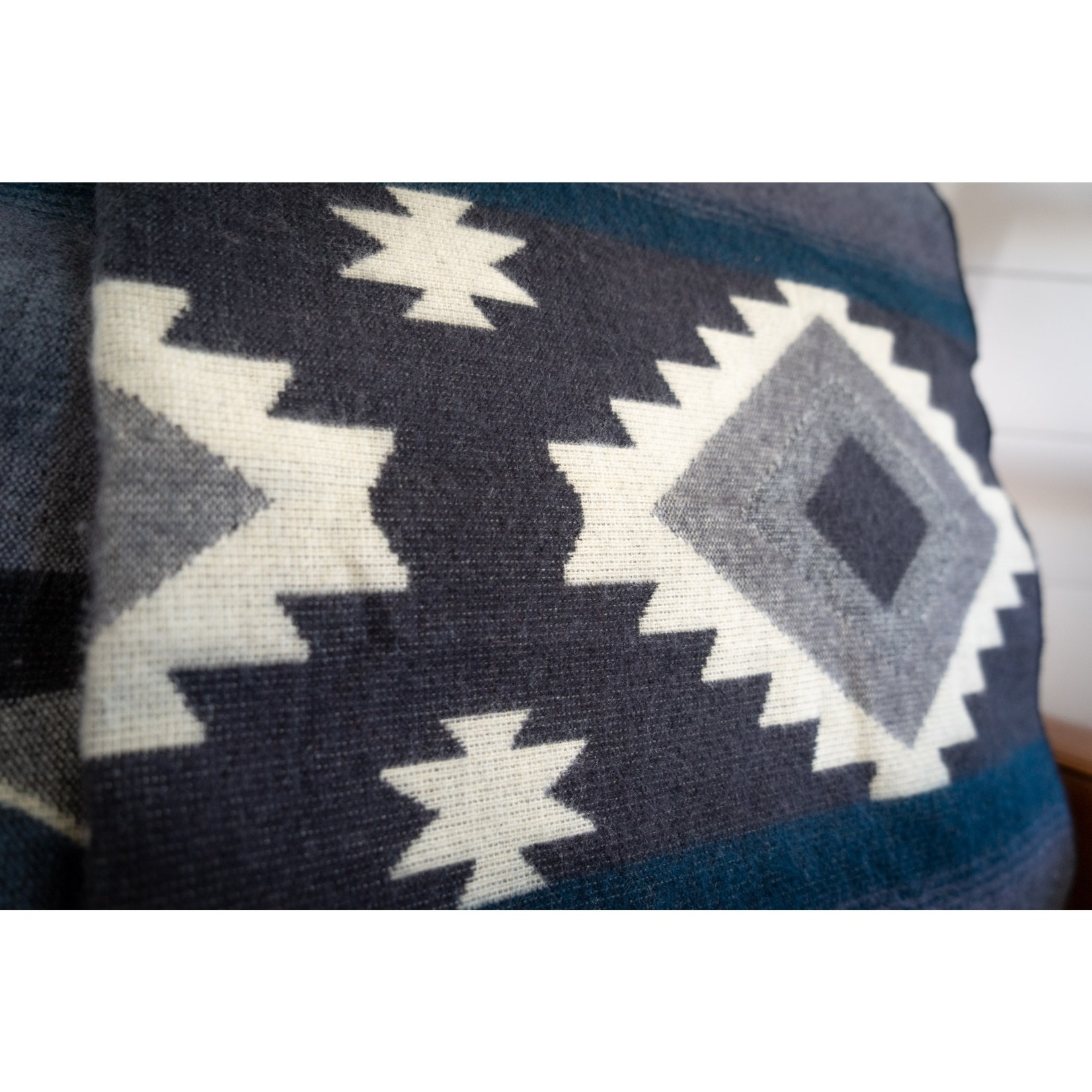 Alpaca Threadz Alpaca Threadz Andean Alpaca Wool Blanket - Midnight