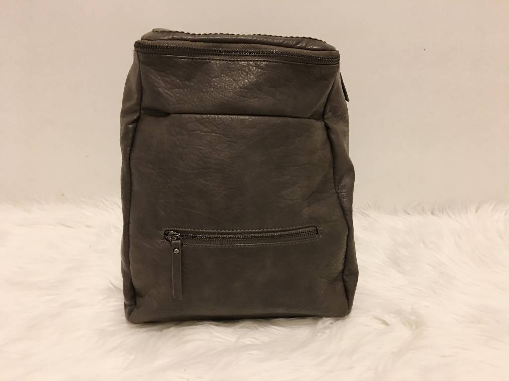 CRINKLE LEATHER BACKPACK