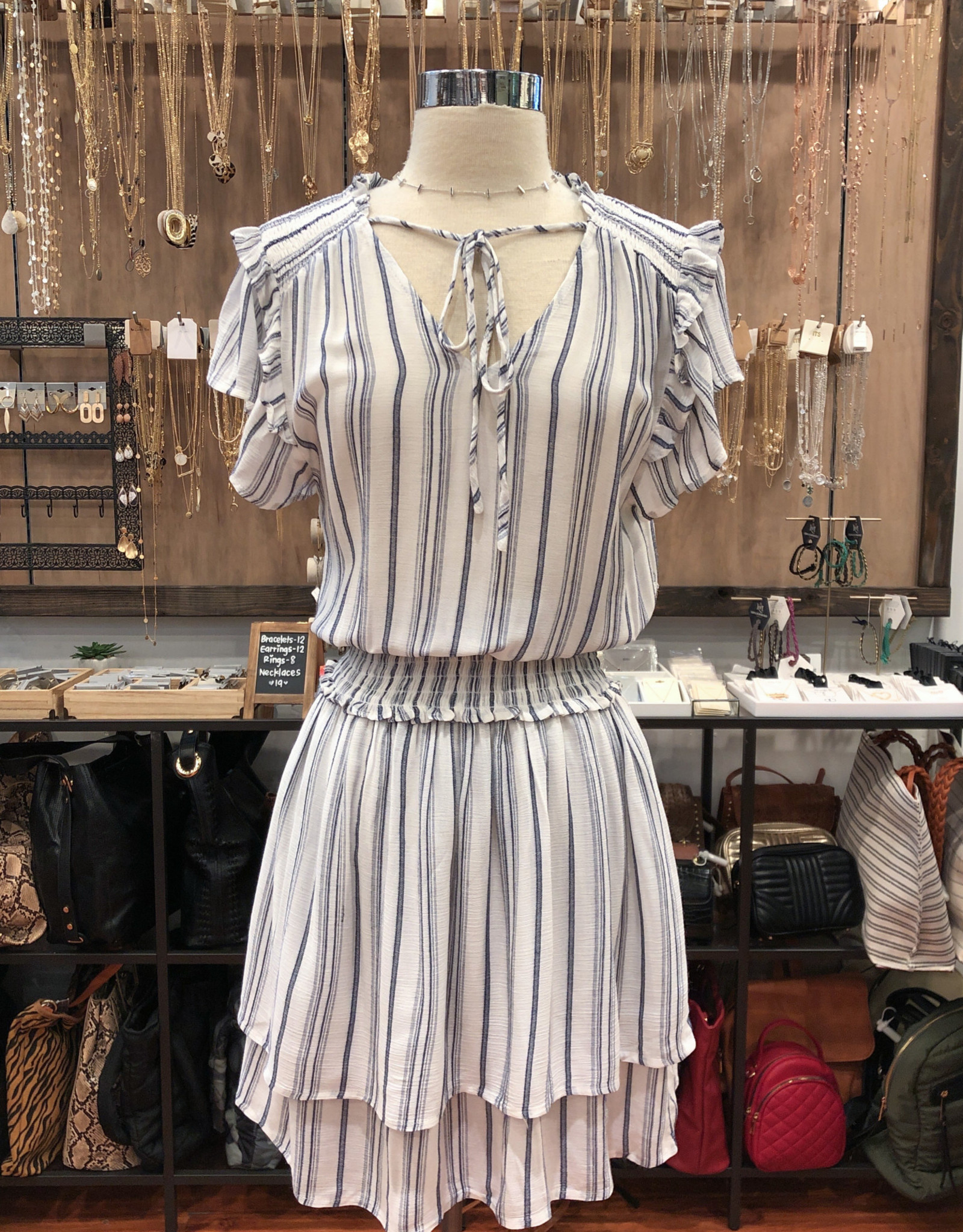D1684A SHORT SLEEVE DRESS