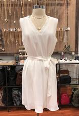 LVD113087 V-NECK BANDED DRESS