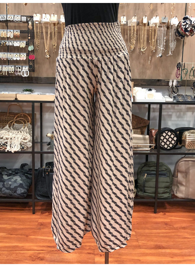 GEO PRINT SMOCKED TROUSERS  *2 colors available*