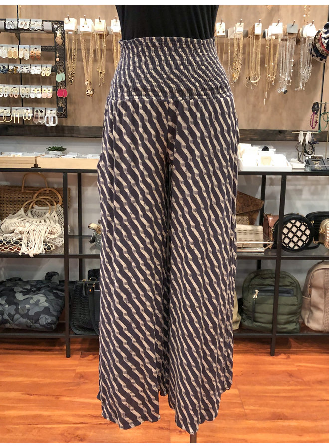 P16158A1 GEO PRINT SMOCKED TROUSERS