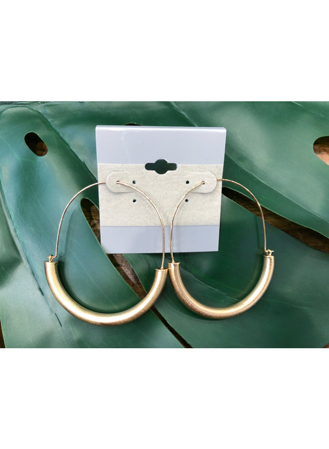 HALF PIPE OVAL HOOP EARRINGS- GOLD