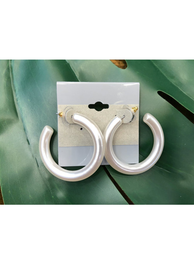 WHITE SHIMMER OPEN HOOP EARRINGS
